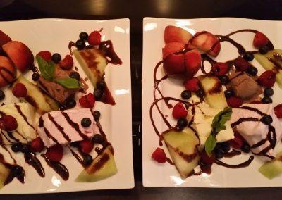 Dessert - Buntes Eis mit Obst